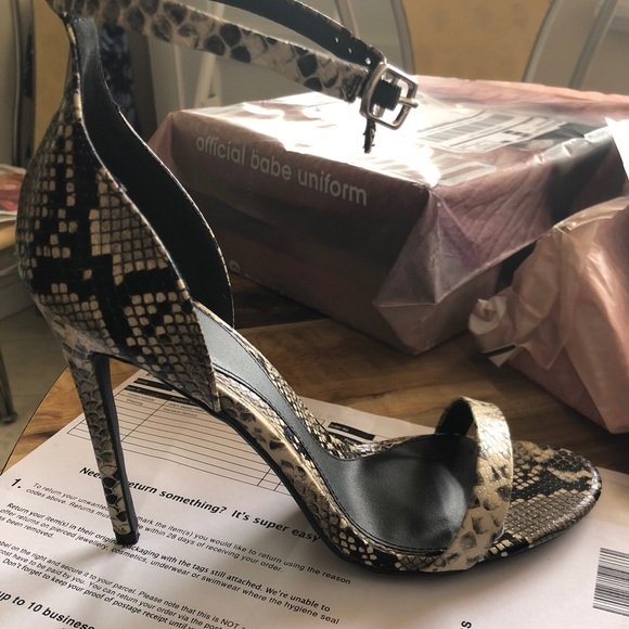 65655973efe BRAND NEW SNAKESKIN BARELY THERE ONE STRAP HEELS NWT